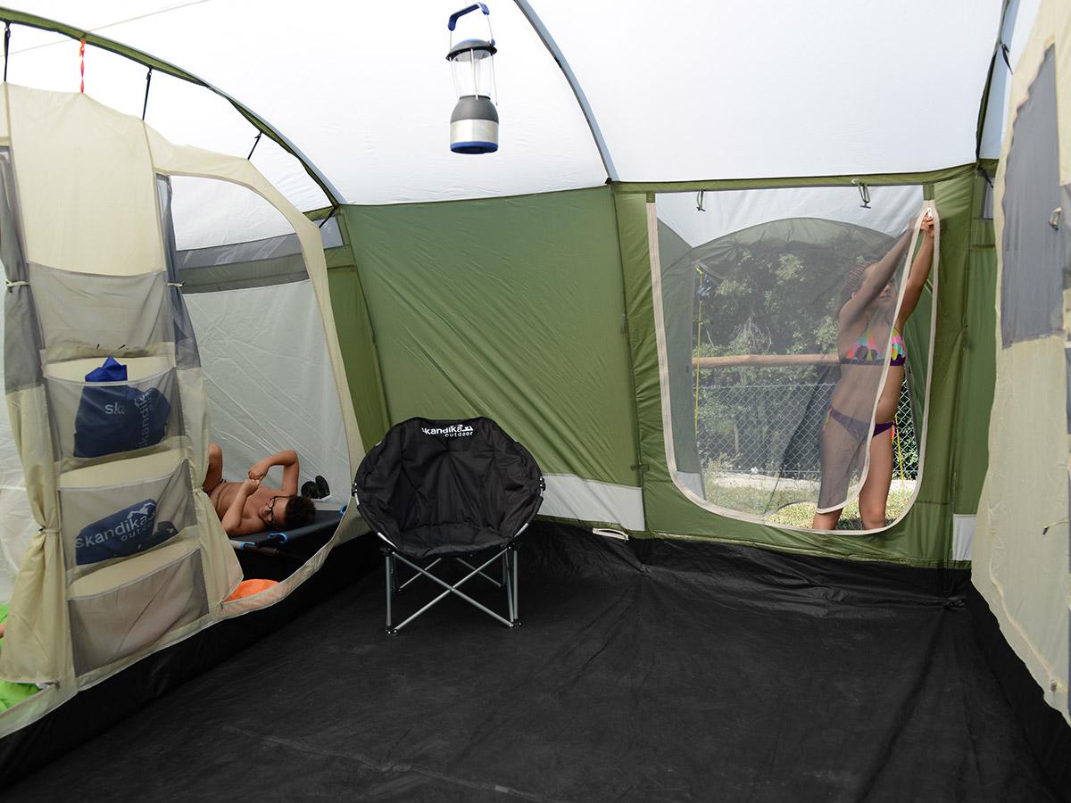 skandika millano 10 personen familienzelt tunnel moskitonetz 4 kabinen oliv neu ebay. Black Bedroom Furniture Sets. Home Design Ideas